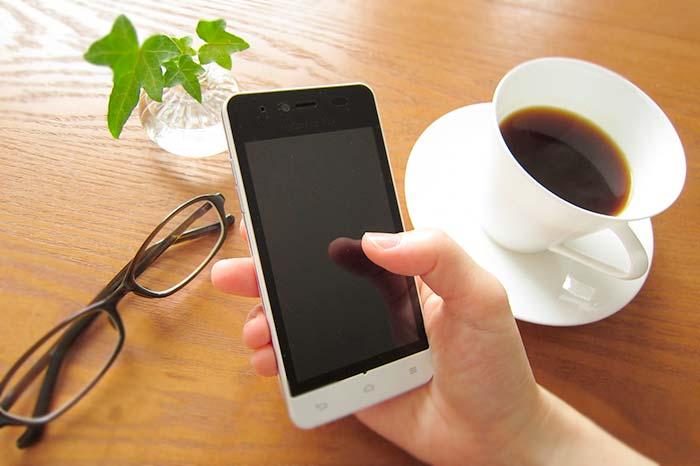 カフェでWi-Fi