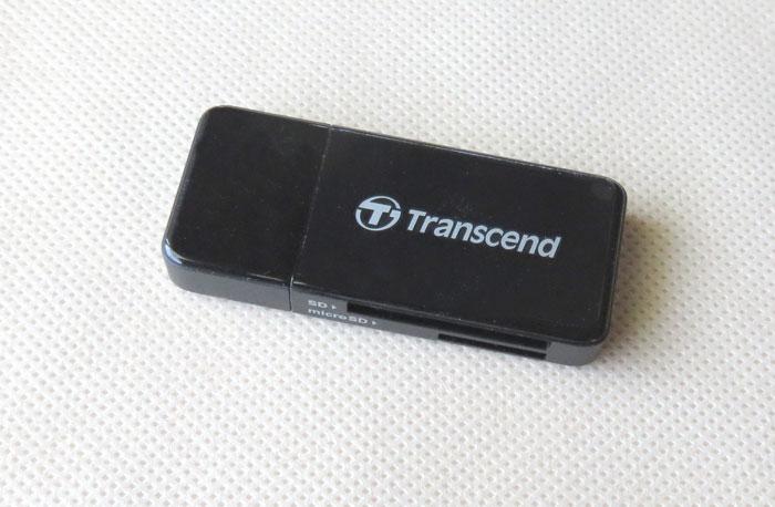 トランセンドは小型のカードリーダー